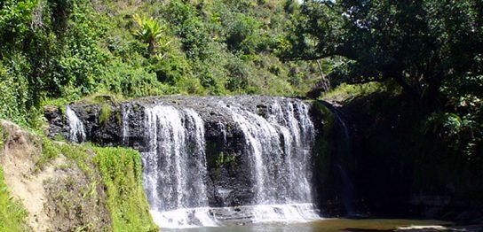 グアムのタロフォフォの滝