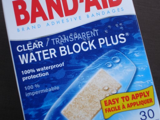 BAND-AID WATERPROOF - 2.JPG